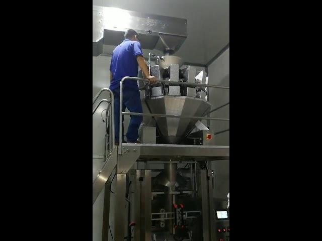 סין אוטומטי חטיפים מזון סוכר סוכריות אבקת זרעים אגוזים אנכי מכונת אריזה