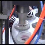 Remplissage semi automatique et mini machine rotatoire de tasse de crème glacée